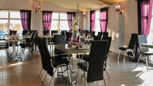 restaurant l 39 auberge au pr s des lys jonage. Black Bedroom Furniture Sets. Home Design Ideas