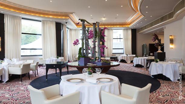 restaurant gastronomique lyon. Black Bedroom Furniture Sets. Home Design Ideas